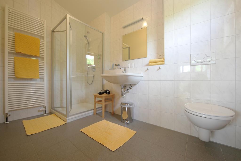 Alb Lodge Sternberg Badezimmer